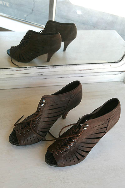 Aldo cutout, lace up shoes    Size 40        $22