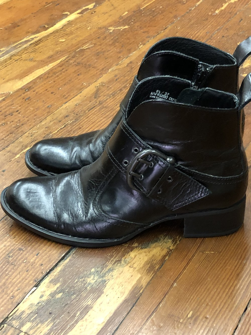 Born Short Buckle Boots - 6.5 -$44.99