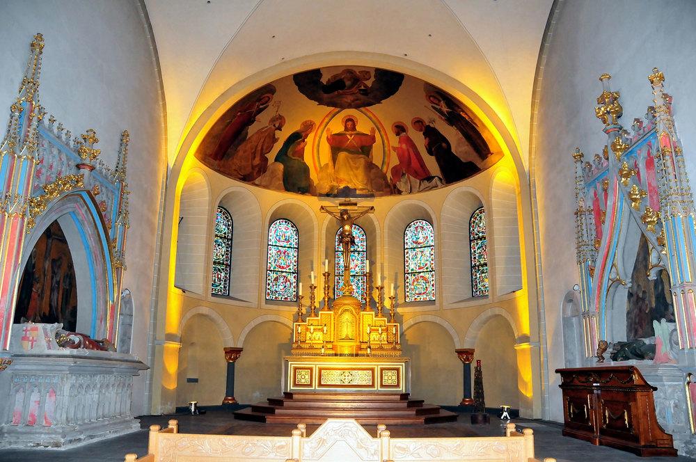 Altar-St-Kastor.jpg