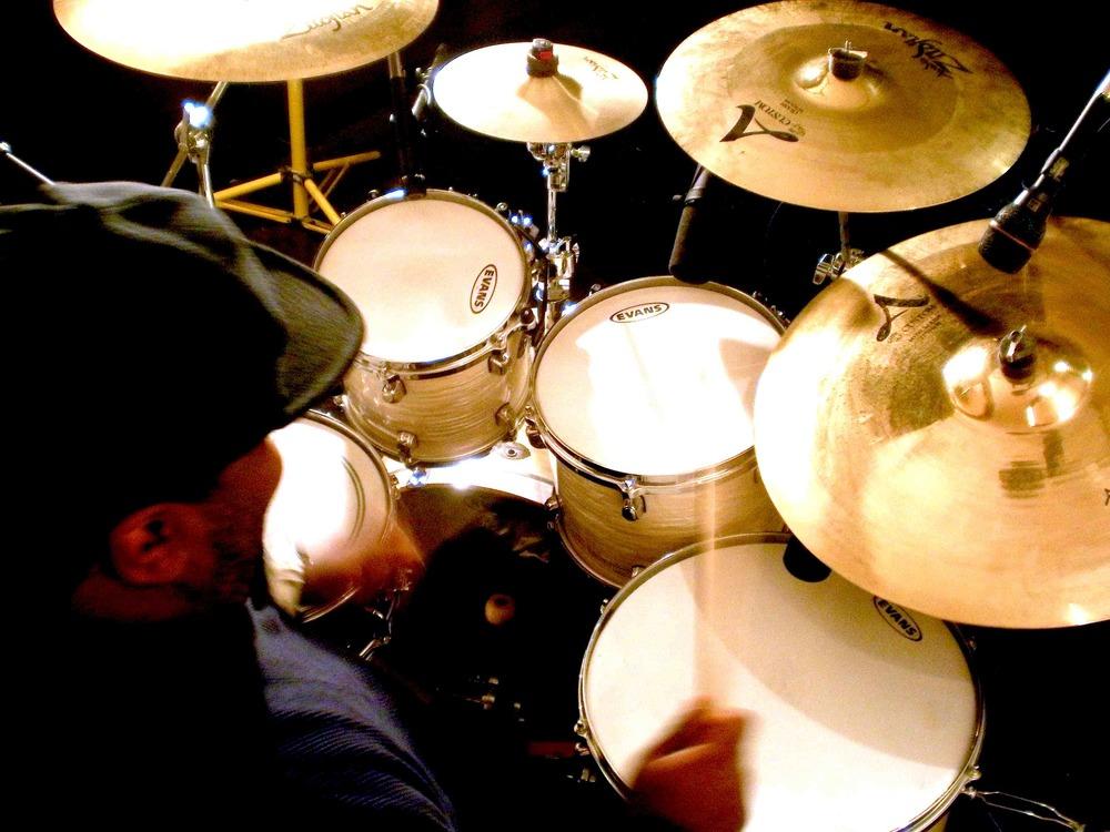 Kris Brooks at Tanona Studios - over right shoulder - Drum Glow.jpg