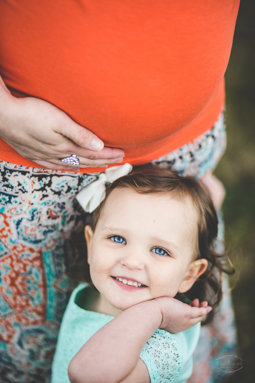 big-sister-baby-bump