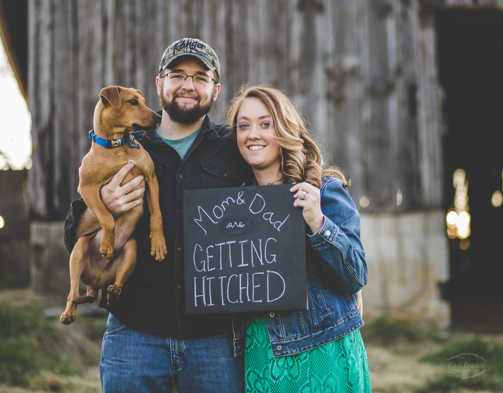 engagement-pictures-dog