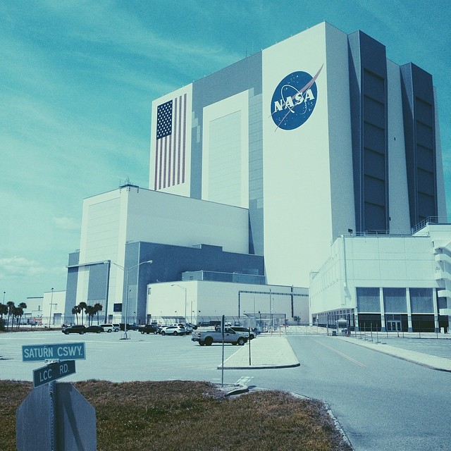 Another one from yesterday. Got to take a tour of that small building on the right. That's the control center. Got to see Firing Room , where they launched the shuttles from. #space #nasa #vab #firingroom4 #kennedyspacecenter #shuttle #atlantis (at Launch Control Center)