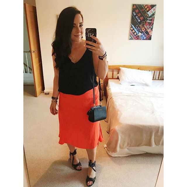 What is this?! Im wearing colour?!? Loving a bit of orange 🍊 at the moment. {tap for brands}  #wiw#whatimwearing#fashion#todayimwearing#fbloggers#fashionblogger#bbloggers#beauty#instastyle#ootn#lookoftheday#instafashion#stylechat#selfie#wiwt#ootd#fwis#fromwhereistand#aboutalook#lifestyleblogger#streetstyleluxe#personalstylist#stylist#outfitpost#outfitinspo#streetstyle#london#londonstyle#orange#saturdaynight