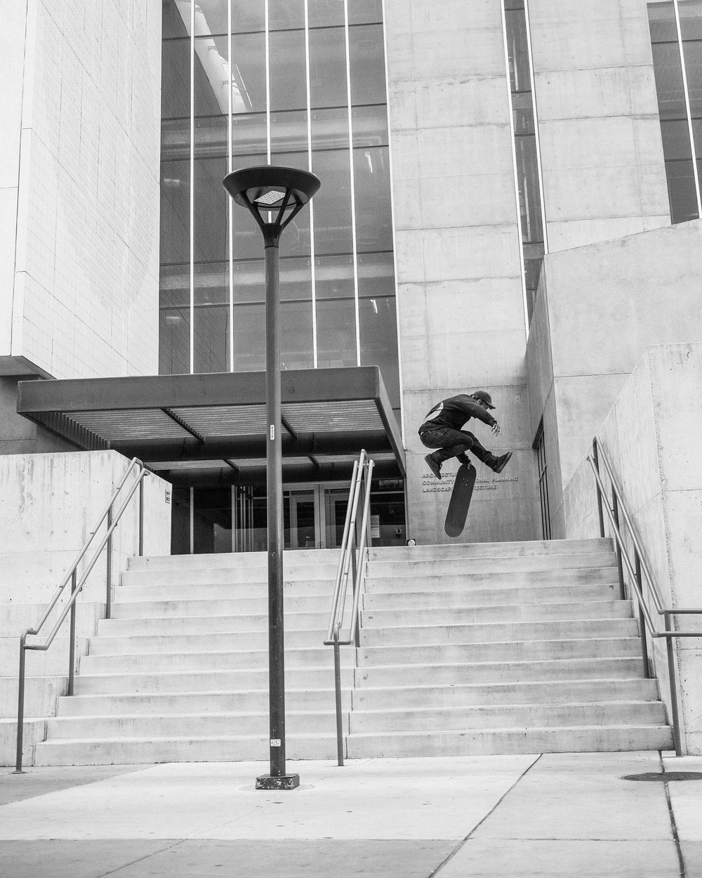 Jonathan Pierce / fakie airwalk / Albuquerque, New Mexico
