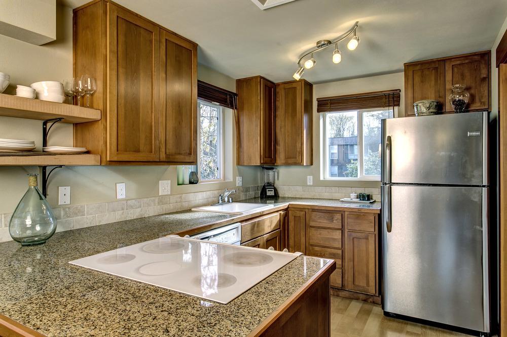 13 Kitchen01.jpg