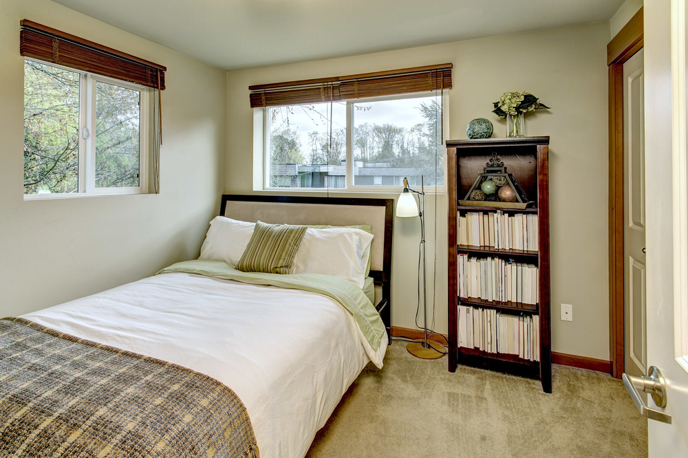 21 Bedroom01.jpg