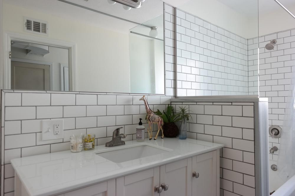14-Bathroom03.JPG