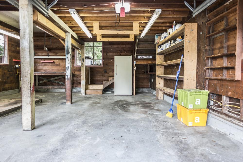 24 Garage 02.jpg