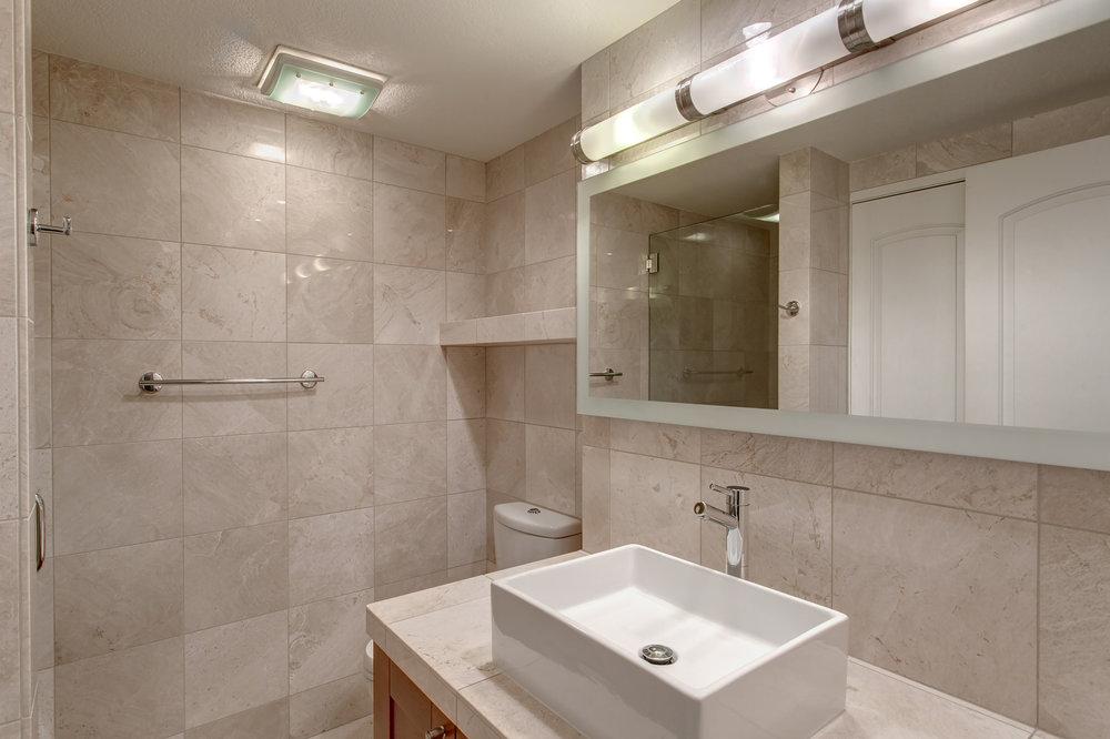 13-Bath01.jpg