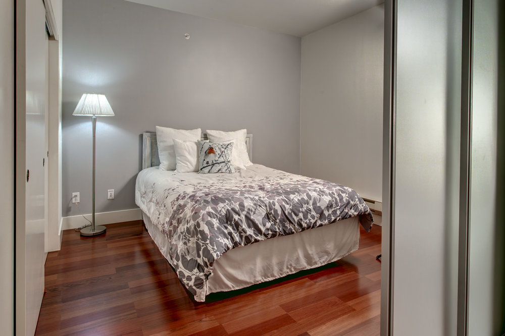 10-Bedroom02.jpg