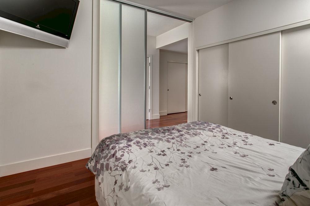 11-Bedroom03.jpg