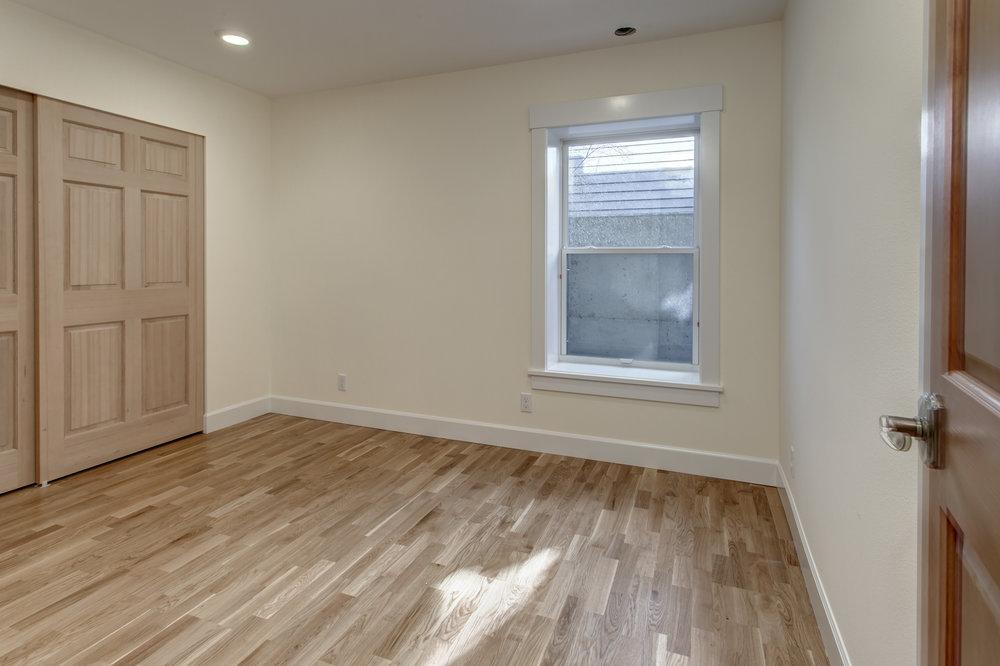 11-Bedroom01.jpg