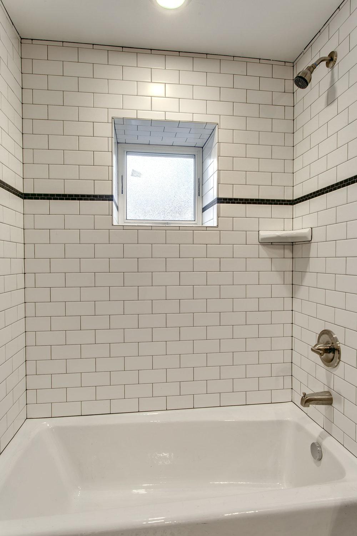 14-Bath02.jpg