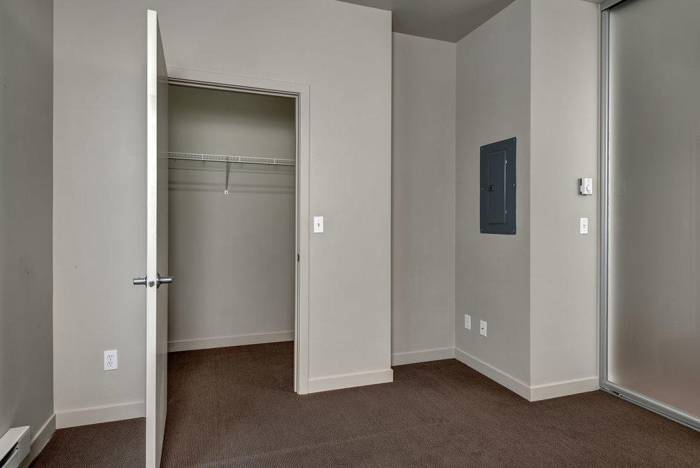 17-Bedroom03.jpg