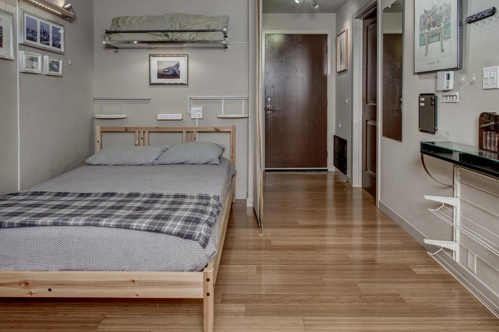 18-Bedroom02.jpg