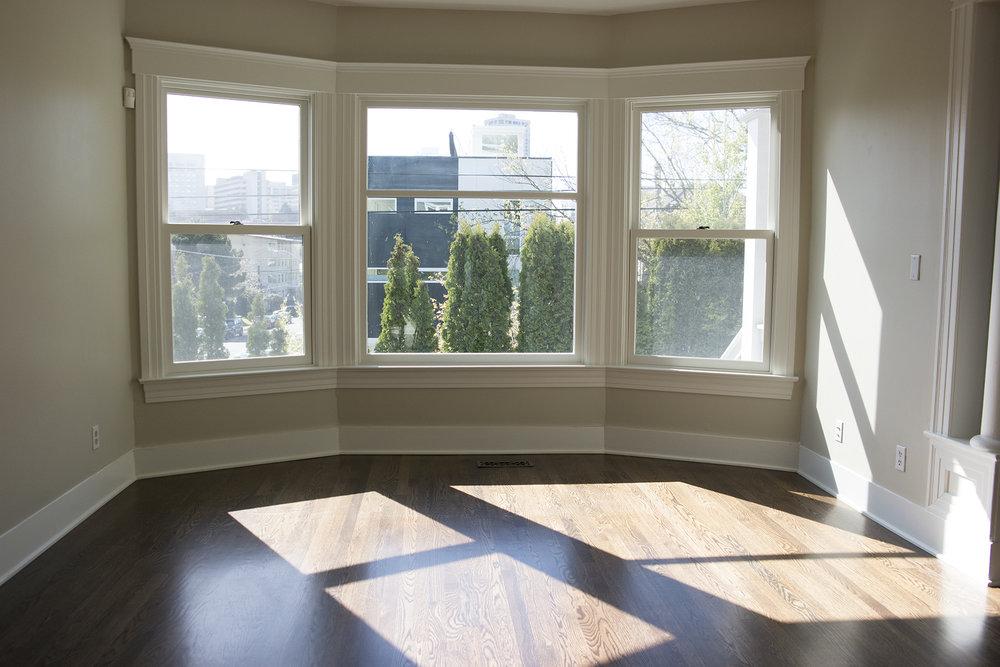 02-Livingroom.jpg
