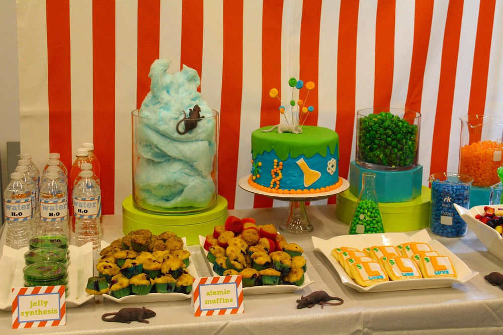 birthday food table