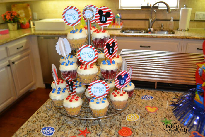 cupcake toppers custom mickey