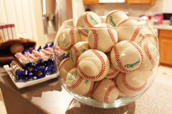 party-decor-baseball-shower-baby