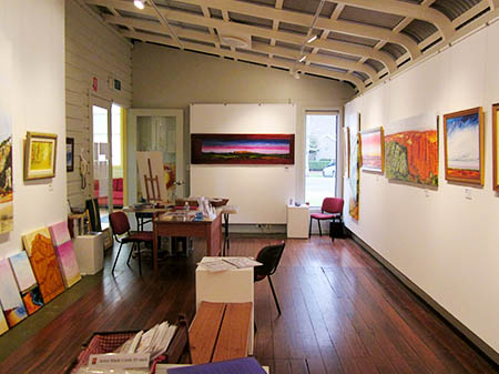 Macleay Valley Community Art Gallery, looking to the fron doors