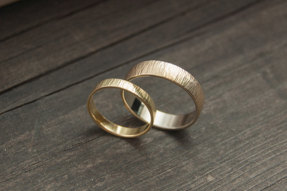 ridged wedding set.jpg