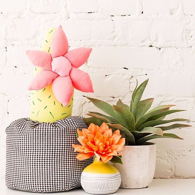 Celebrate #CincodeMayo with #DIY stuffed cactus pillows. 🌵 Tutorial on the site! Link in profile. #britstagram