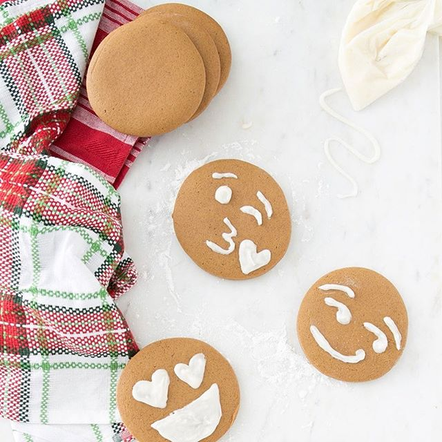 Permission to eat ALL the cookies for breakfast. 😍 These #DIY gingerbread emoji cookies are giving us major heart eyes. Get the #recipe on brit.co! Link in profile. #britstagram #bcholiday #bcfoodie