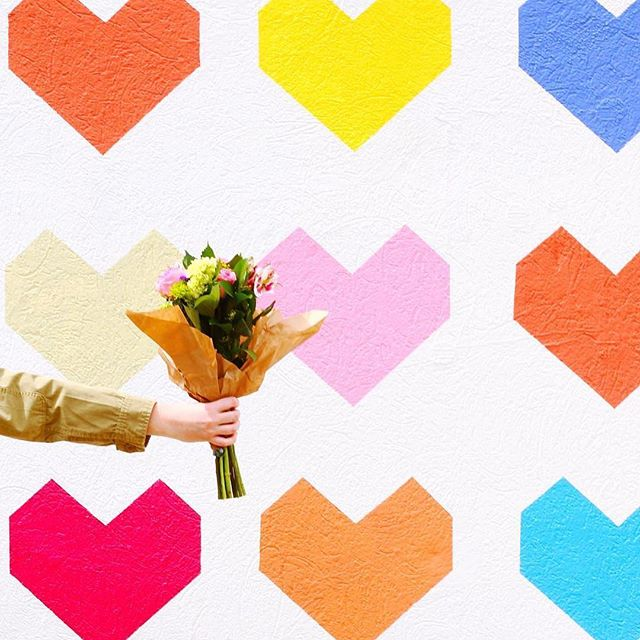 Giving you virtual flowers because you're worth it. ✨ Tag a friend who deserves some too!  #britstagram  #regram via @molly_onthemove