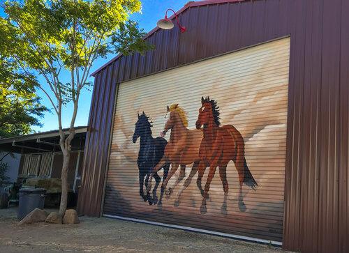 Muralist+custom+painting+of+horses+running.jpg