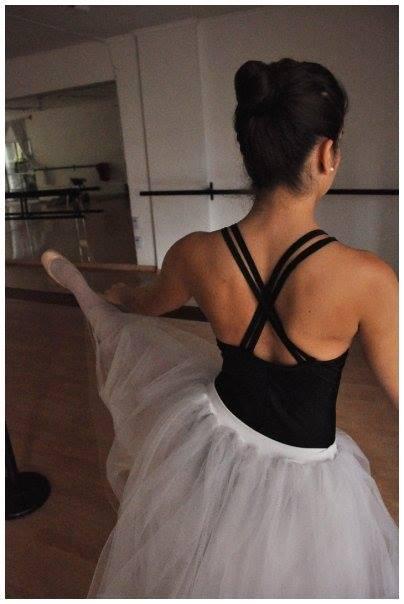 """""""Siempre tomo clases de ballet, que complemento con otras técnicas, como contemporáneo y moderno. Además, hagoyogayPilates."""""""