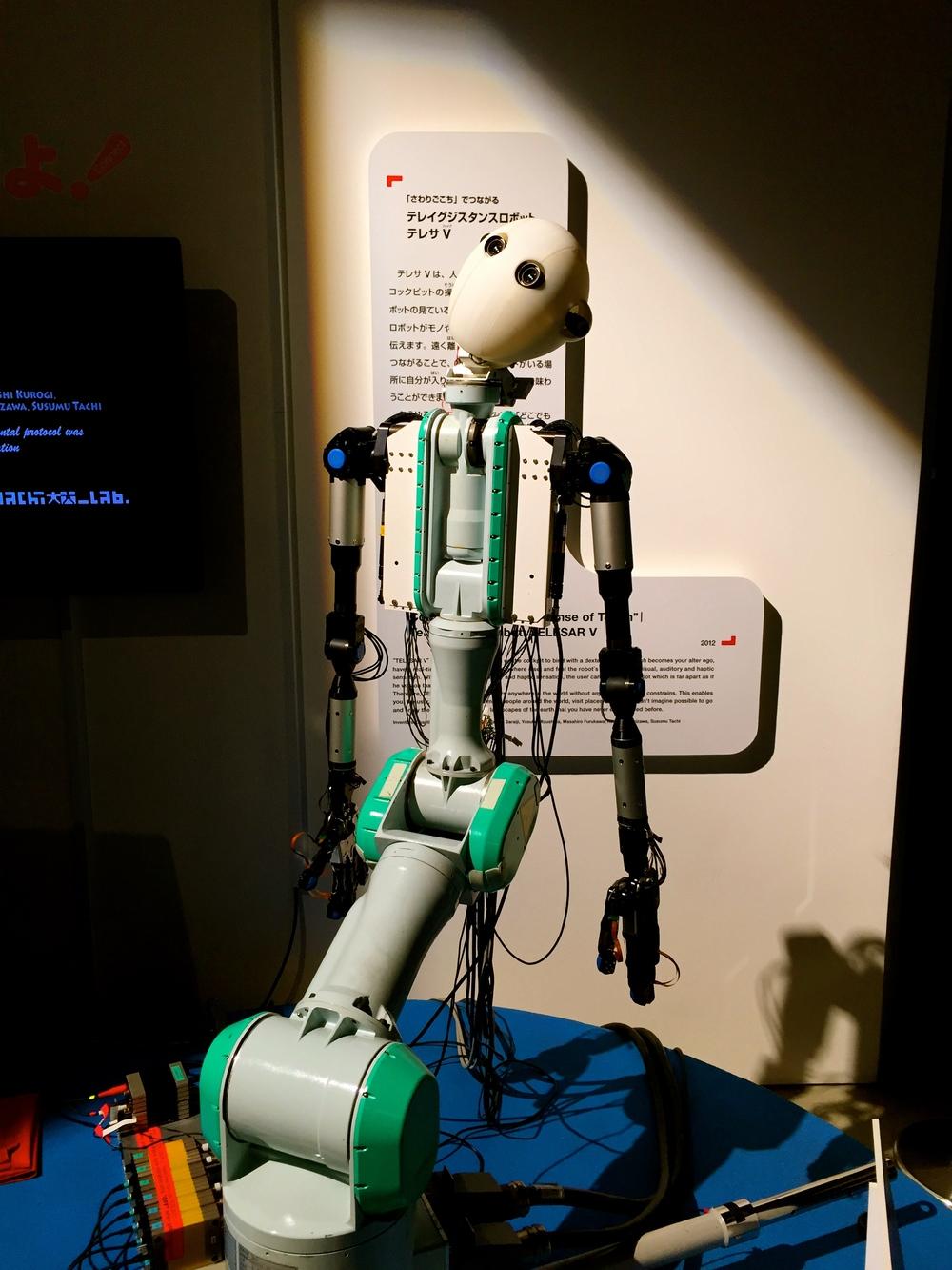Ido. Robot en el Museo Nacional de Ciencias Emergentes e Innovación. Tokyo, Japón - Abril 2015