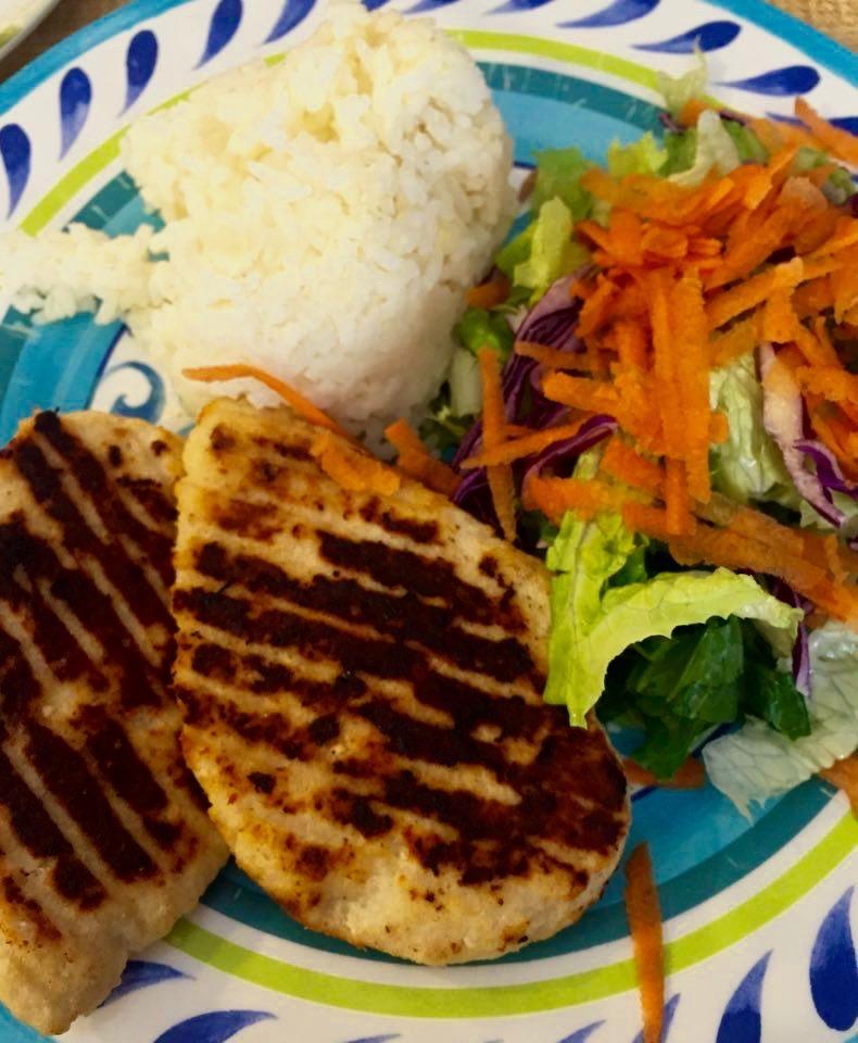 No fue desayuno sino almuerzo. La propuesta gastronómica era realmente desafiante para mi estómago porteño, ese que a la mañana no escapa del tríptico: medialunas, cereal, tostadas. Mexicali, México - Marzo 2016