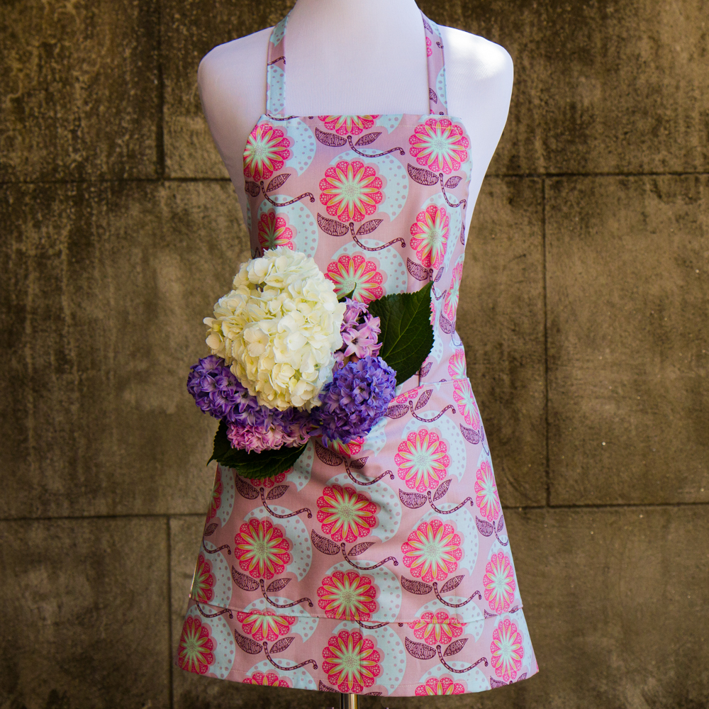 Garden Apron made out of Anna Maria Horner Cell Structure Fabric - Made by For the Love of Pattern #loveofpattern www.loveofpattern.com
