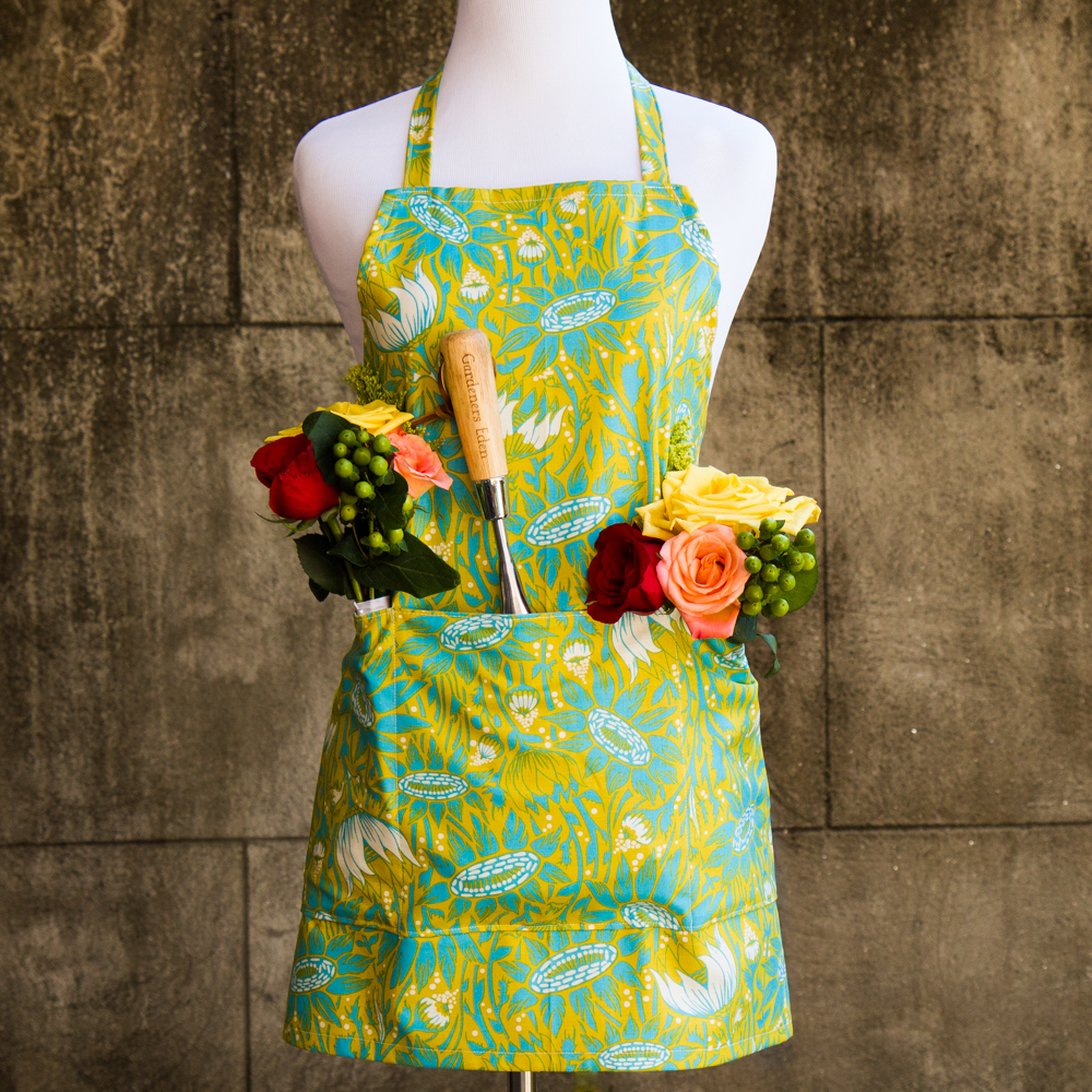 Garden Apron made out of Anna Maria Horner Bold Sunflower Fabric - Made by For the Love of Pattern #loveofpattern www.loveofpattern.com