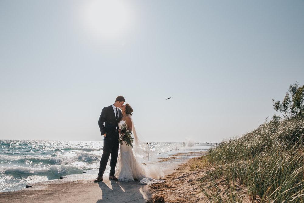 northern_michigan_summer_beach_wedding_elberta_life_saving_station_pop_mod_photo_436.JPG