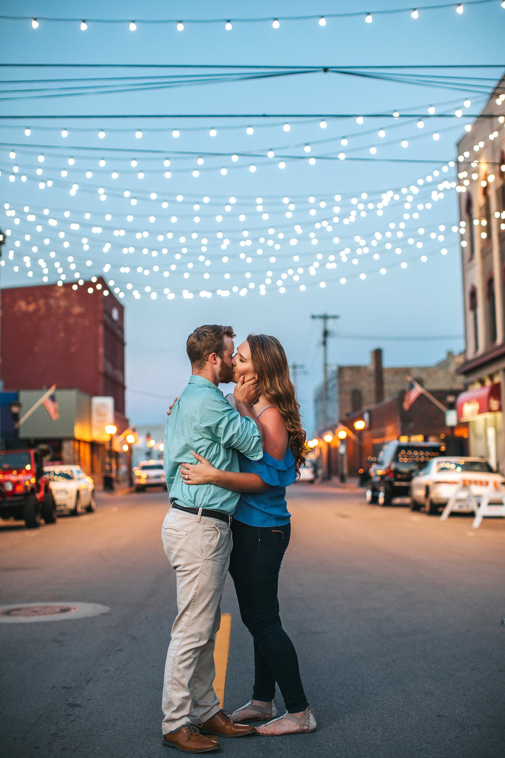 bay_city_downtown_engagement_session_pop_mod_photo_breanna_christopher_59.jpg