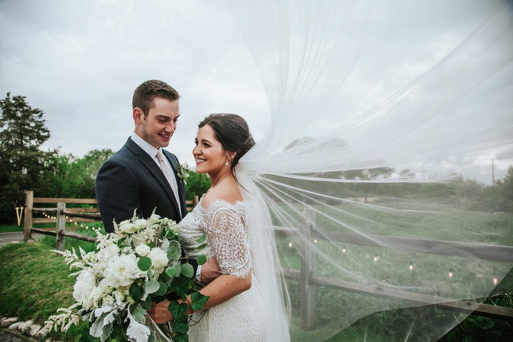 Michigan_barn_wedding_the_valley_ann_arbor_pop_mod_photo_363b.jpg