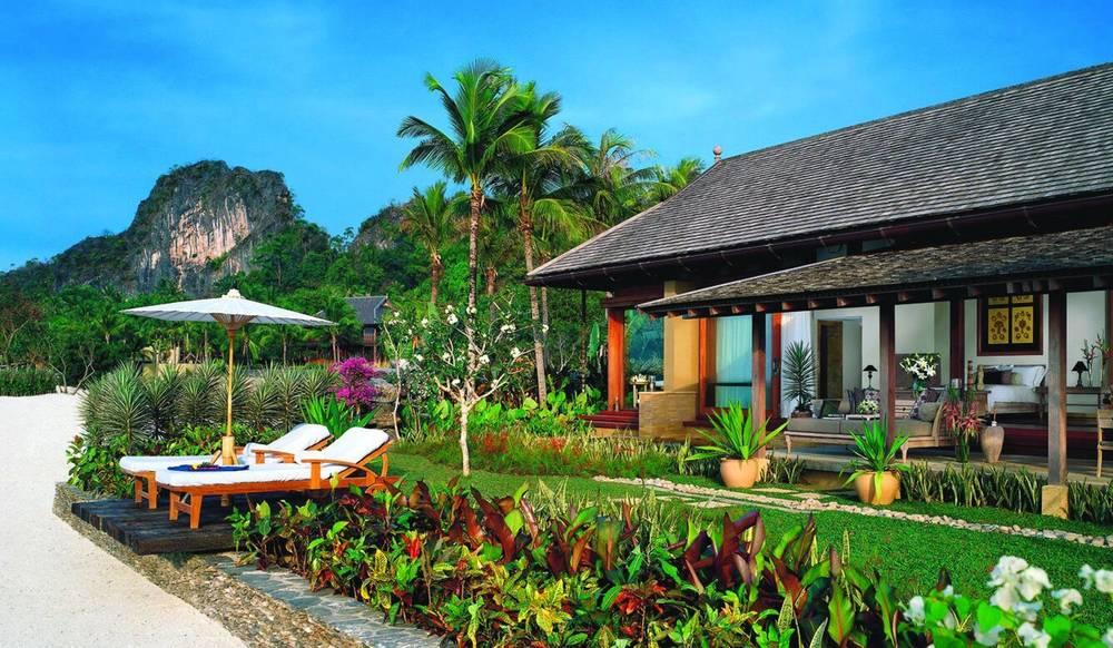 beautiful-beach-villa-desktop-background-585391.jpg