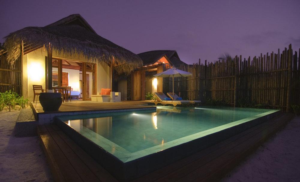 Anantara_Pool_Villa_evening_S.jpg