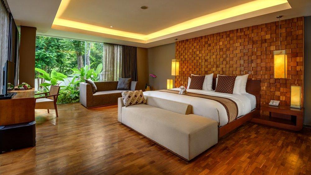 Three_Bedroom_Garden_Pool_Villa_Master_Bedroom_R.jpg