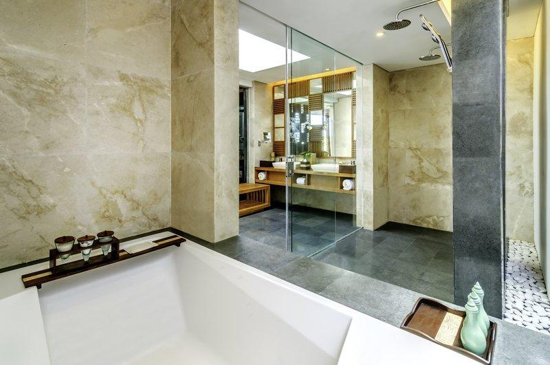 Three_Bedroom_Ocean_Front_Pool_Villa_bathroom_P.jpg