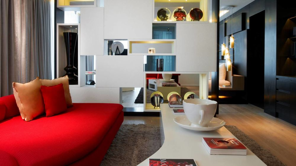 w_london_leicester_square_wow_suite_lounge.jpg