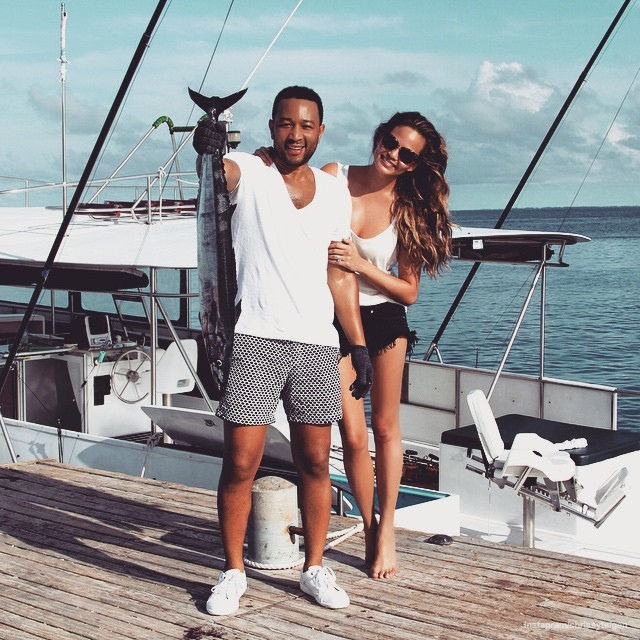 chrissy-teigen-john-legend-vacation-photos05.jpg