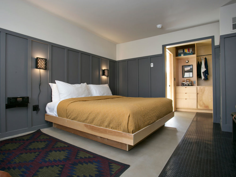 Coachman Hotel - Elevated motel experience