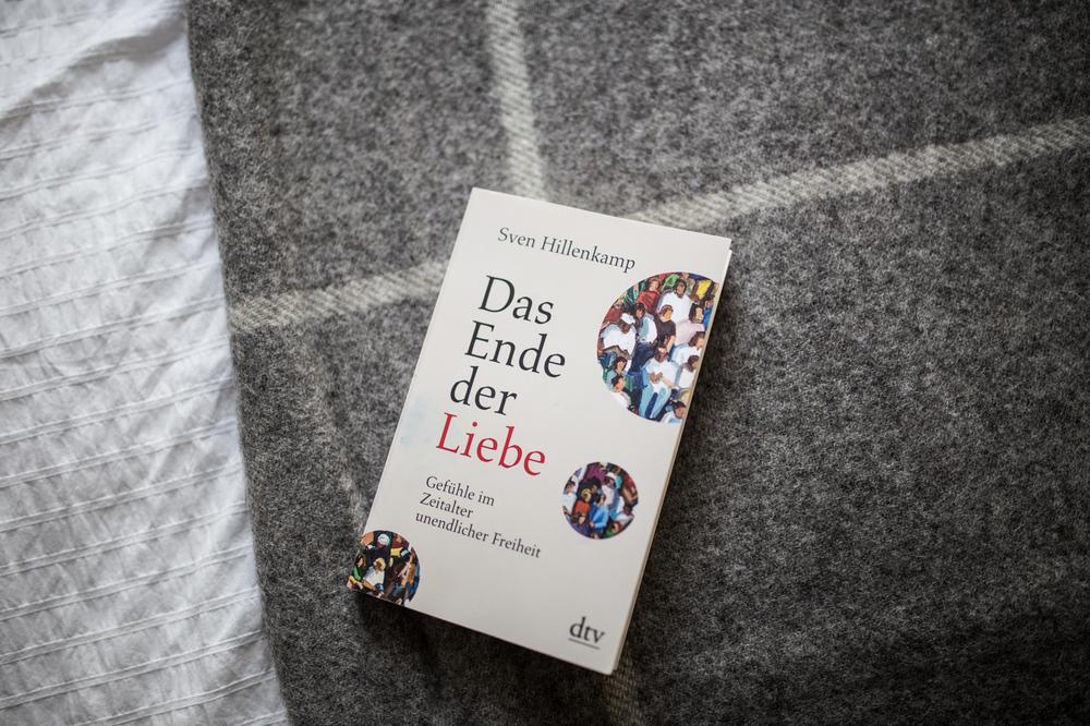 Lolas Lieblingsbuch: Das Ende der Liebe / Decke von Urbanara