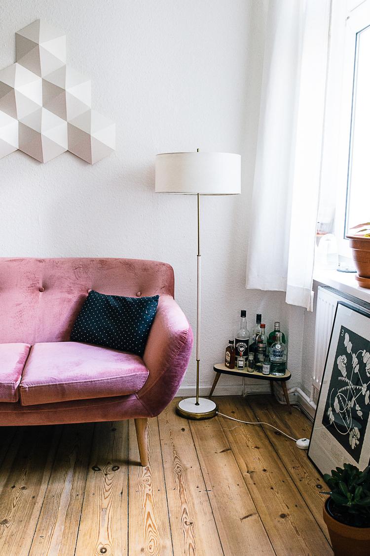 Das rosa Sofa von  Claudia  / Zur ganzen Homestory geht es hier.