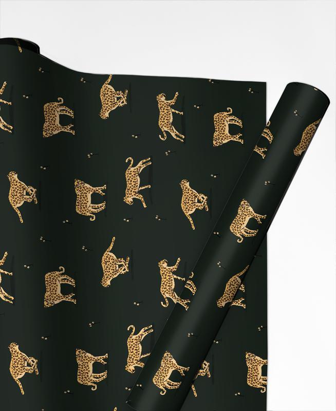 Geschenke einpacken mit Juniqe- Leoparden Geschenkpapier