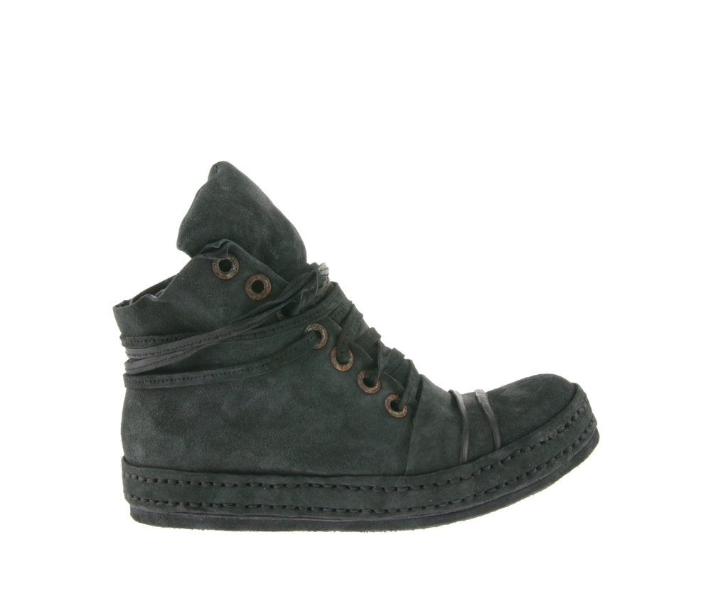 8Hole LBs NT Bleached Black Suede