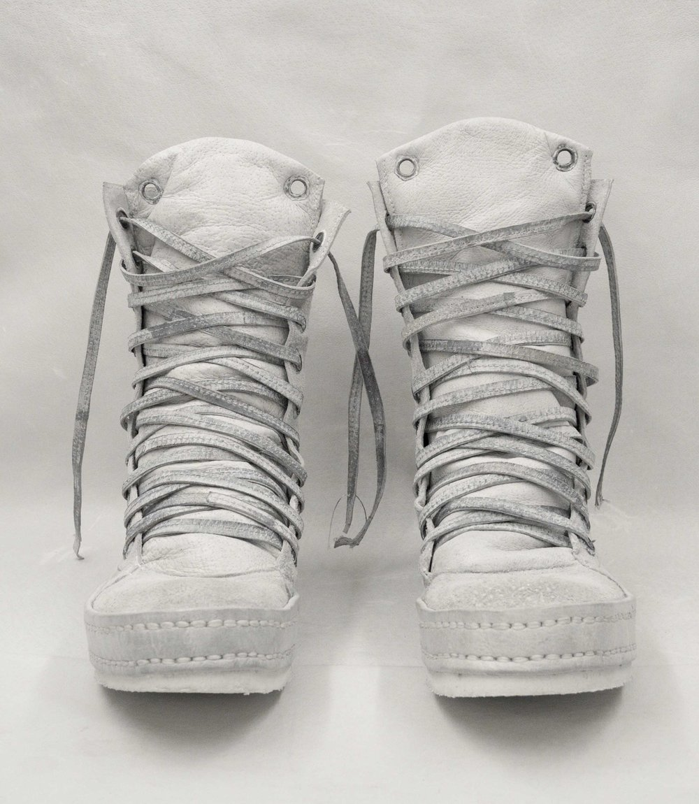 2012 10Hole White Suede